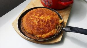 Ciasto knefa pachnące kwiatami gorzkiej pomarańczy